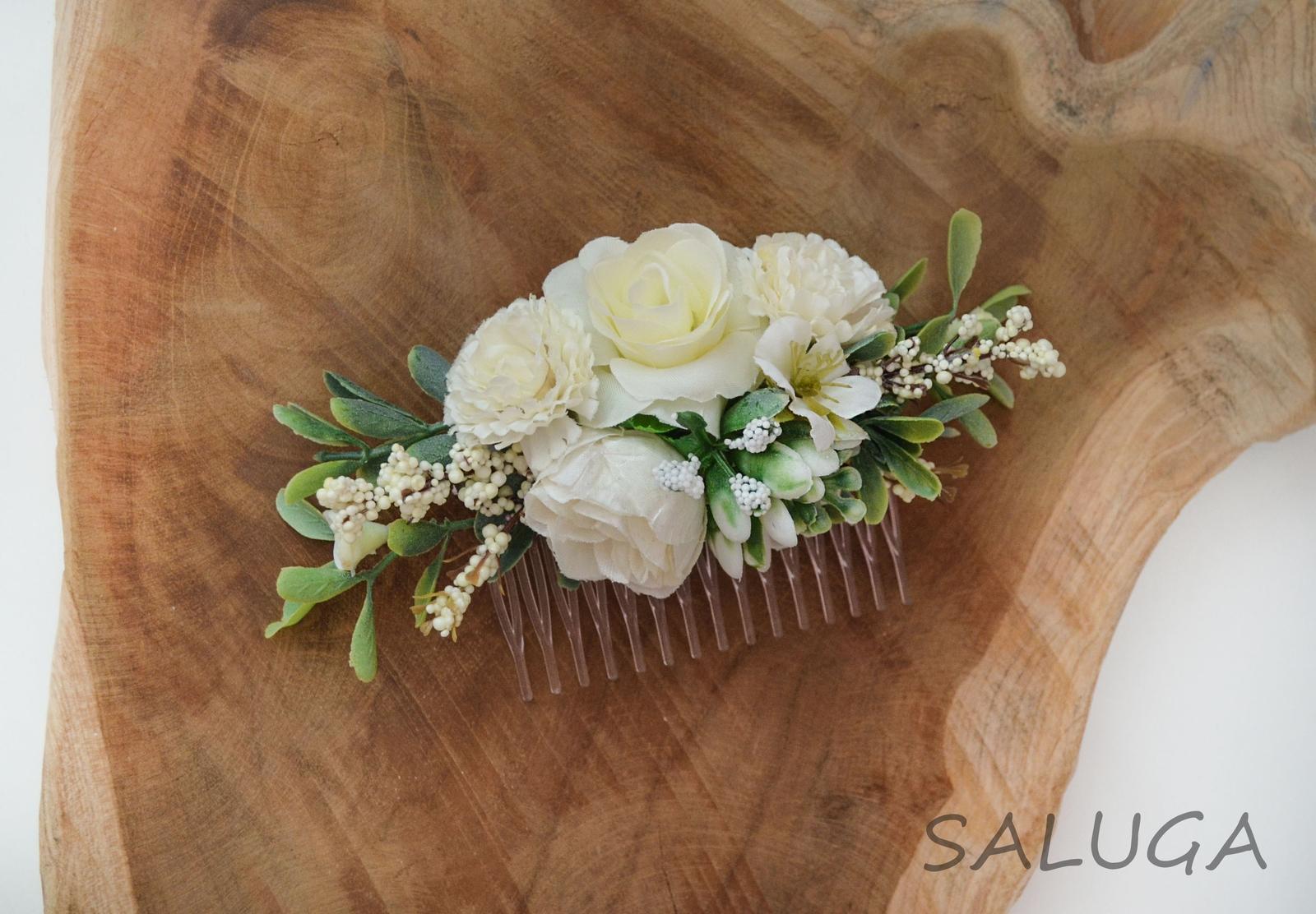 Kvetinový hrebienok do vlasov - ivory - svadobný - Obrázok č. 1