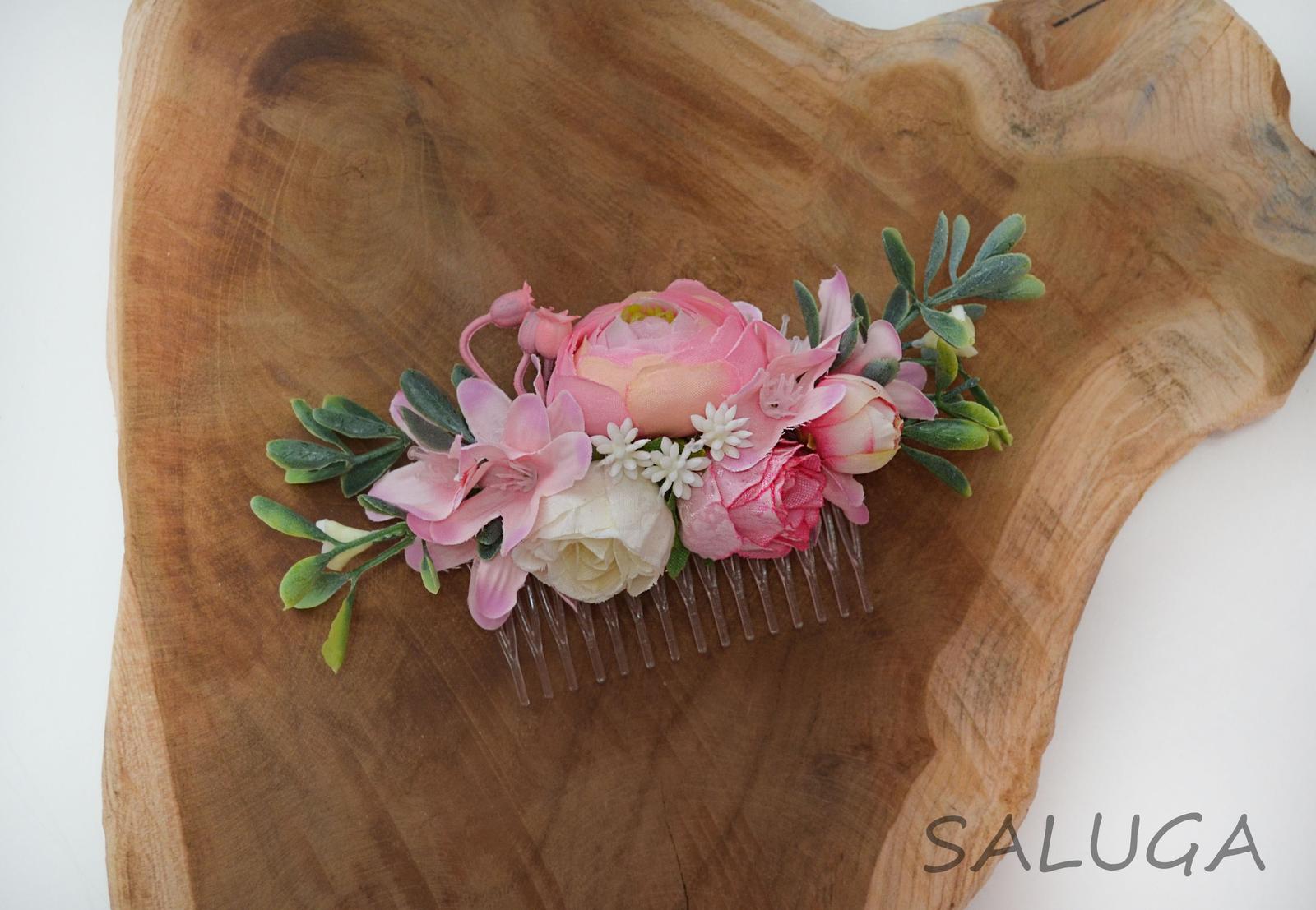 Kvetinový hrebienok do vlasov - ružový - Obrázok č. 1