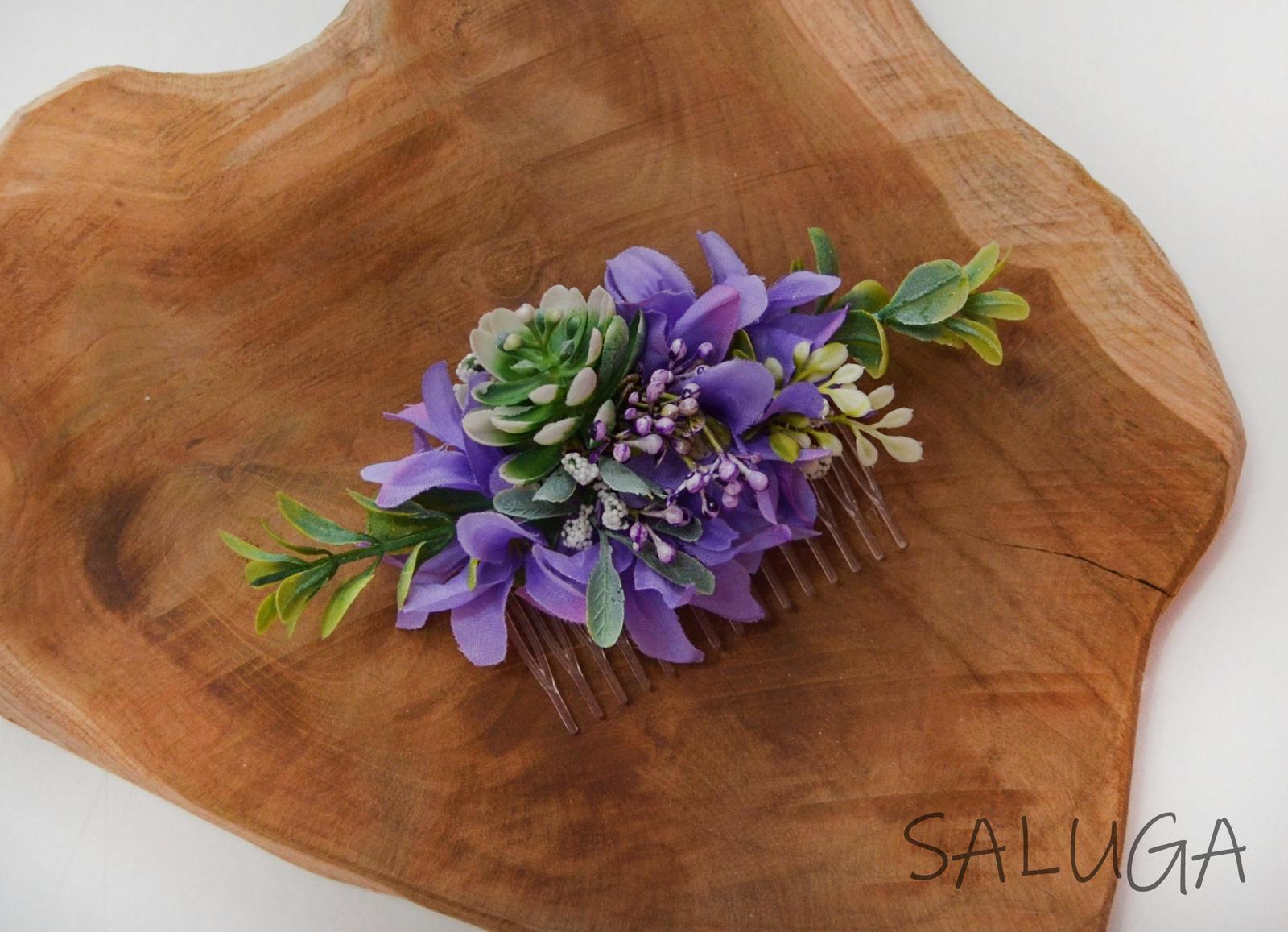 Kvetinový hrebienok do vlasov - fialový - Obrázok č. 1