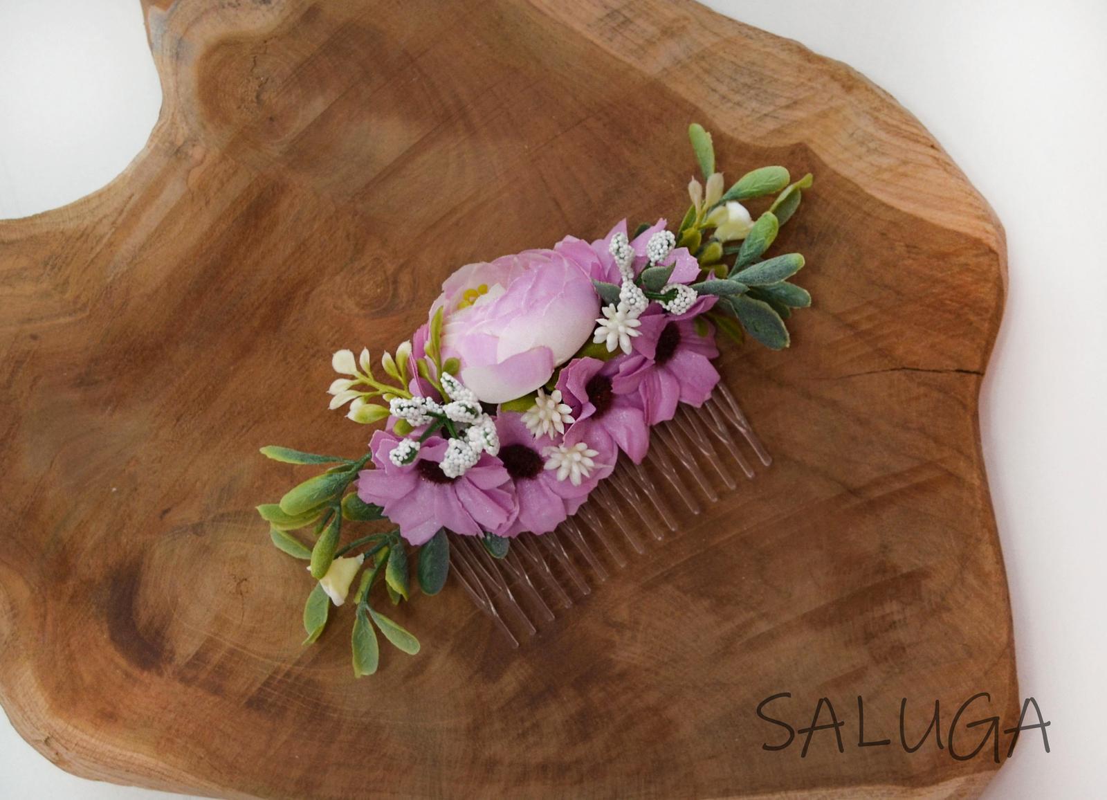 Kvetinový hrebienok do vlasov - ružovofialový - Obrázok č. 1
