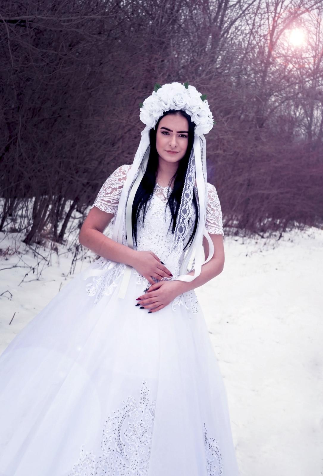 Svadobná parta do vlasov - biela - pre nevestu - Obrázok č. 1