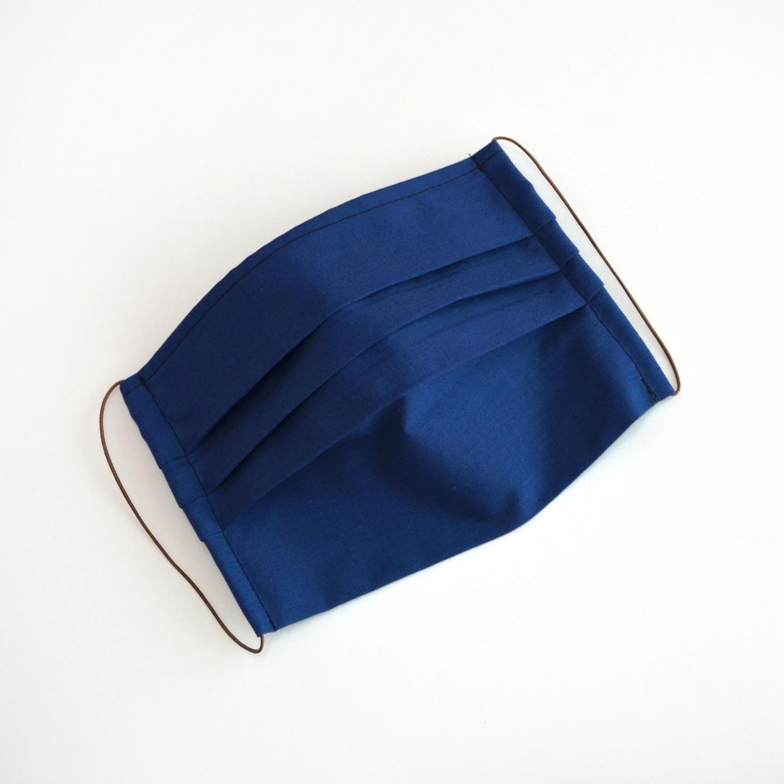 Dvojvrstvové bavlnené rúško na tvár - modré - Obrázok č. 1