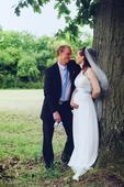 Jemné svatební šaty s vlečkou, 37