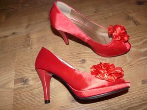 Druhé červené topánošky na tancovanie ako stvorené