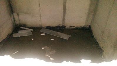 Nasa interierova studna - podmocena nedokoncena pivnica