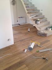 uz koncime aj prizemie s podlahami