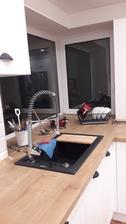 Kuchyna vyumyvana, prvy riad rozbaleny a pouzity 😍