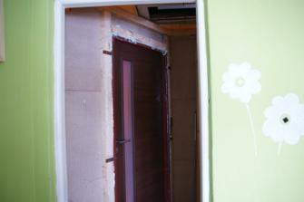 nová stěna uvnitř ložnice, aspoň o to málo se nám zvětší prostor