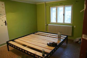 nábytek vyklizený, zítra nás čeká malování