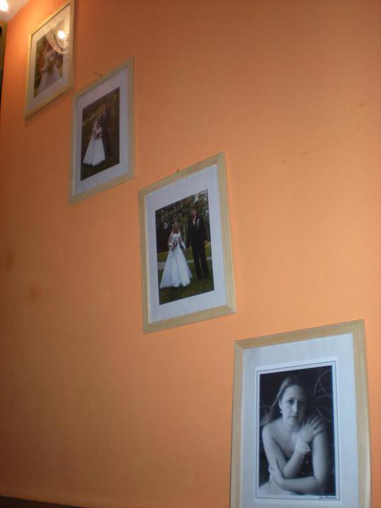 Náš  byteček - fotky na schodišti