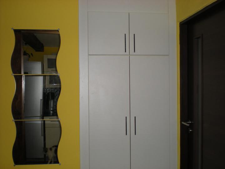 Náš  byteček - kdysi šatní skříň nyní je z ní skříň na potraviny, ta nám totiž moc chyběla