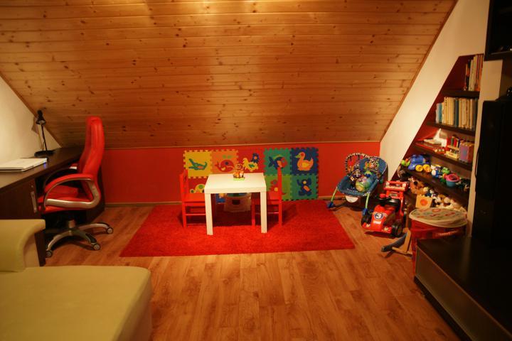 Náš  byteček - Lukáškův nový hrací koutek