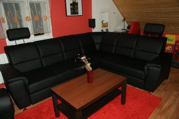 Náš  byteček - pořídili jsme si novou sedačku :-)