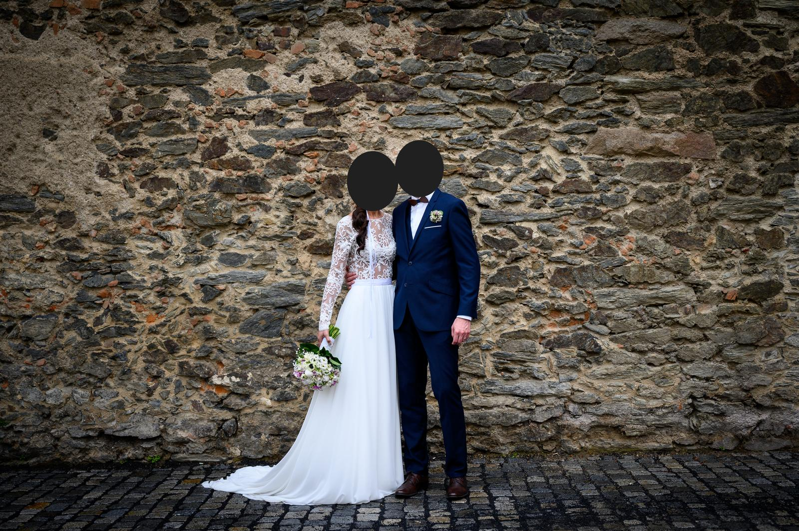 krajkové svatební boho šaty s výstřihem na zádech - Obrázek č. 1