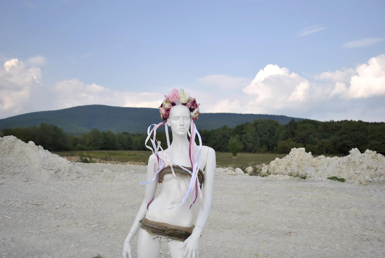 Kvetinová parta ružovo-biela - Obrázok č. 2