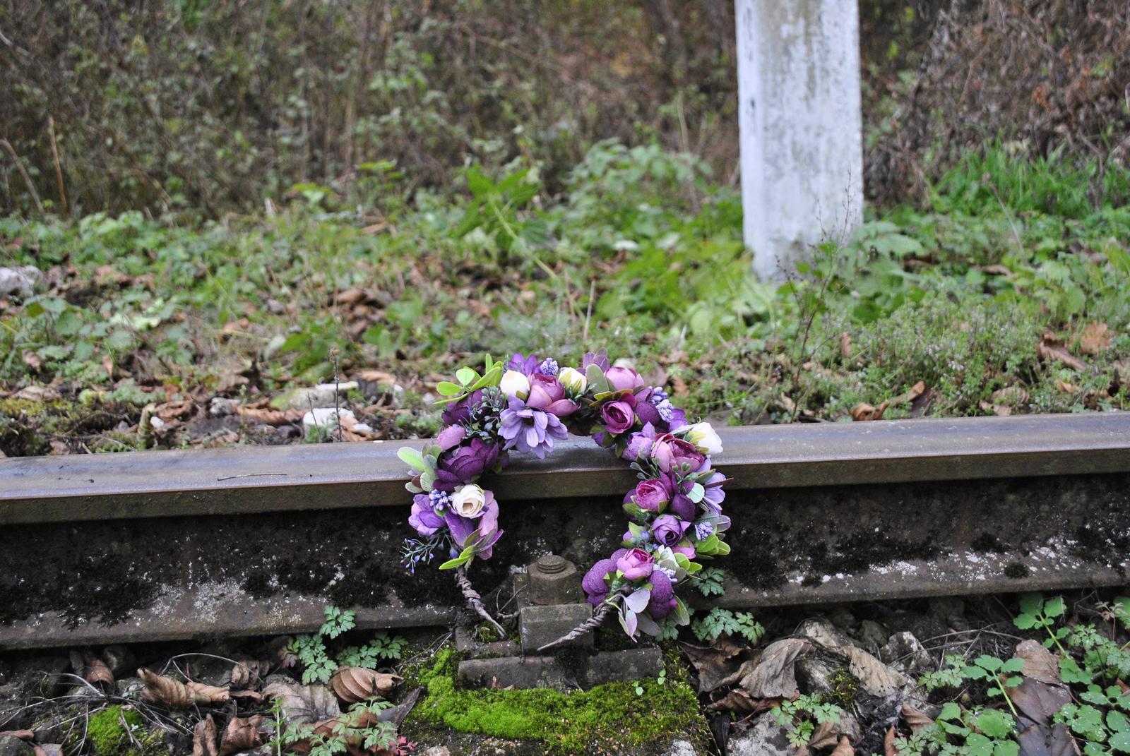 Kvetinový venček fialový - Obrázok č. 4