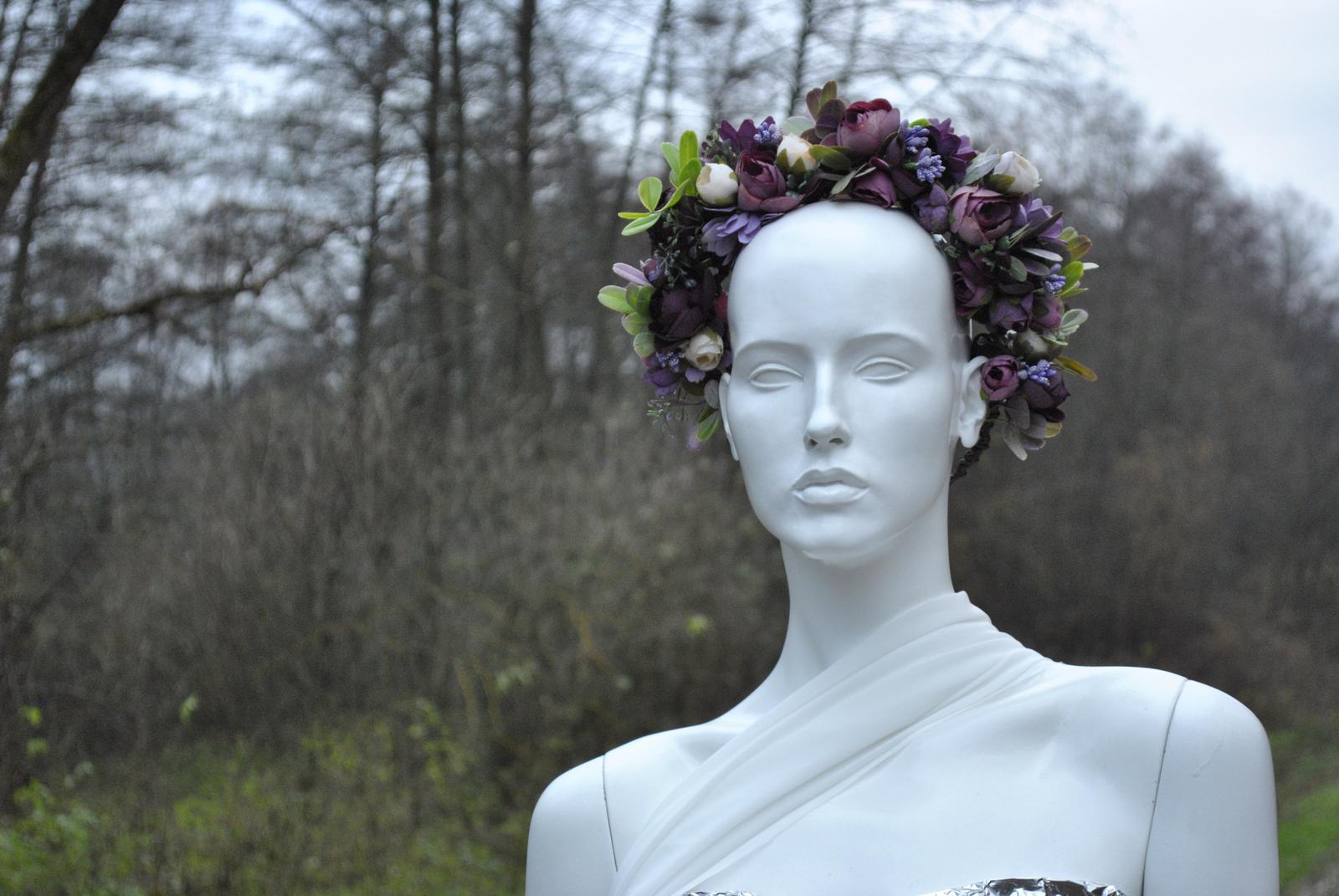 Kvetinový venček fialový - Obrázok č. 3