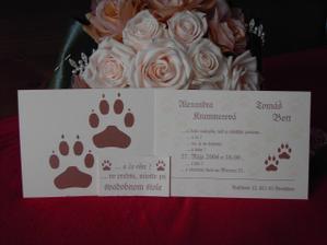 naše svadobné oznámenie, s kyticou