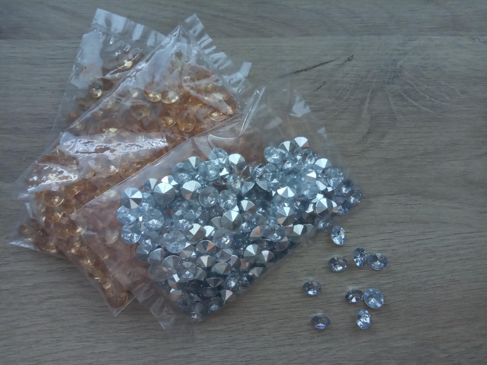 Malé dekoračné diamantíky - Obrázok č. 1