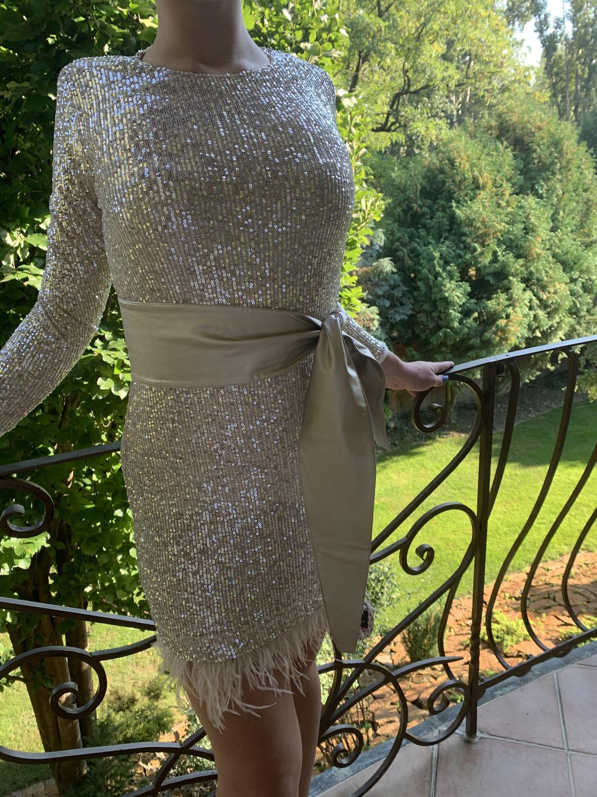 trblietavé šaty - Obrázok č. 1