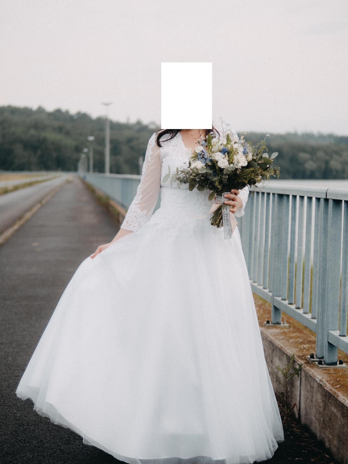 Svatební šaty, velikost 40 - Obrázek č. 2