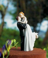 postavičky na tortu už domka...sú krásne...  =oD