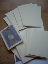 Naše obálky a papíry na oznámení,pustíme se do toho...:-)