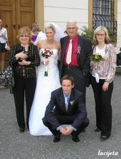 s babi, štěňátkem, dědou, bráchou a maminkou