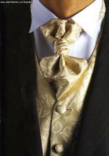 ženich bude mít černý oblek se zlatou vestičkou