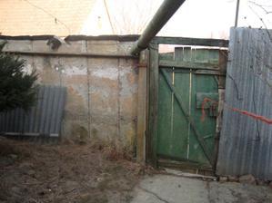 """""""vchod"""" do záhrady :-)"""