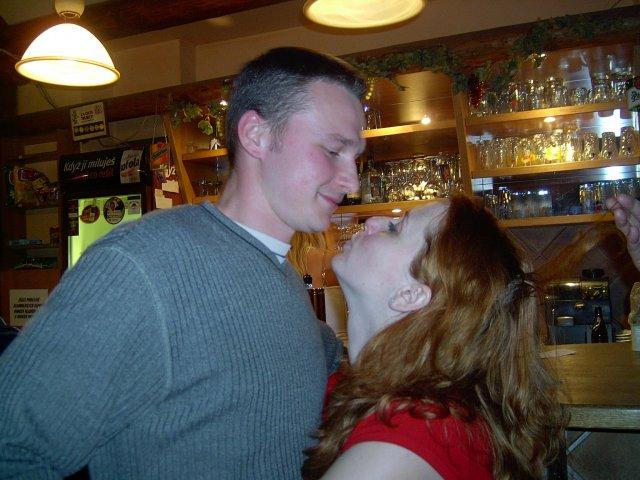 Marki 24092005 - takhle jsme vypadali 3 týdny po svatbě na zpívání naší kamarádce