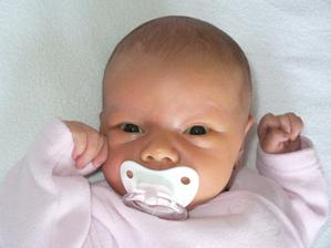 Naša princeznička Karolínka najkrajšie slniečko na svete:-) CMUK