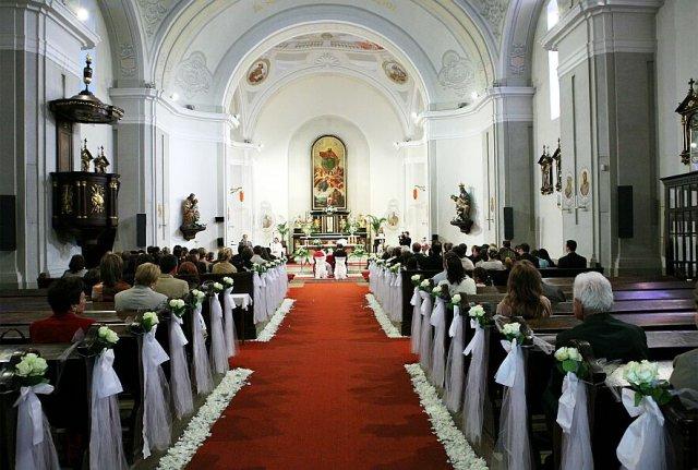 M{{_AND_}}W - nas krasne vyzdobeny kostol. Velka vdaka patri Katke z agentury KaPa!