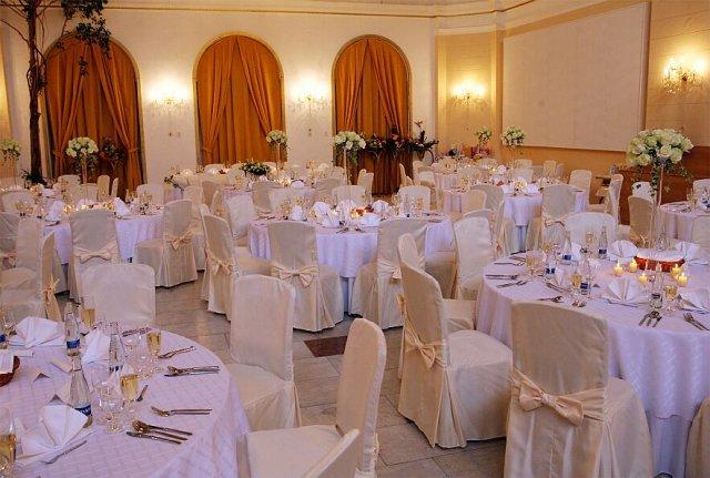 ...koniec 93-mesačného randenia - Kursalon- Ten je na svadbu ako stvorený...nádherný (Beautiful for wedding)