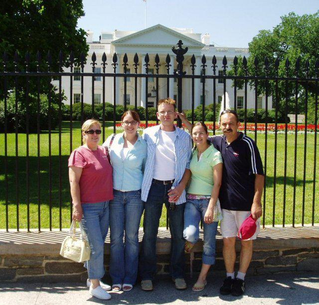 Nasi, segra s manzelom a ja pred Bielym domom v DC, den pred party