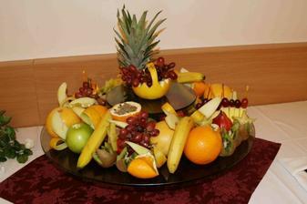 kusok z ovocných mís