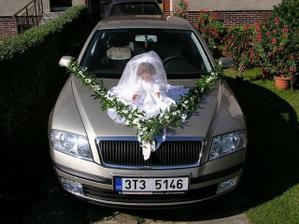 autíčko, kterým přijel ženich pro nevěstu.