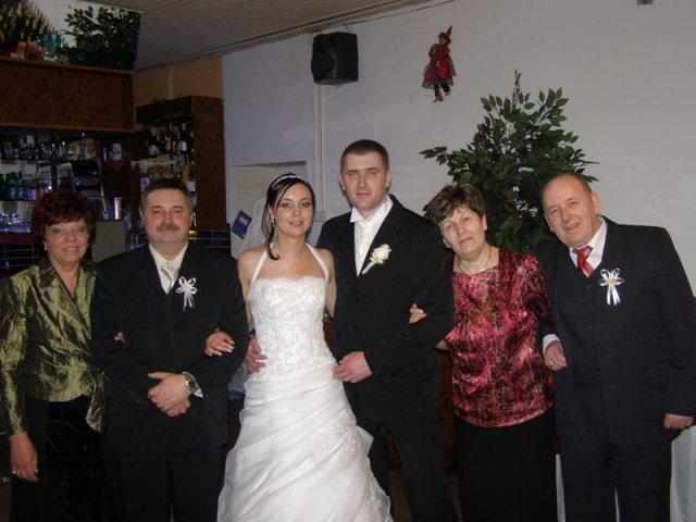 Maťka{{_AND_}}Peťo Chlebkovci - s rodičmi