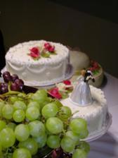 ...mňam, svadobná tortička...