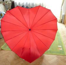 náš úžasný deštníček pro případ,že by námpršelo štěstíčko :-)