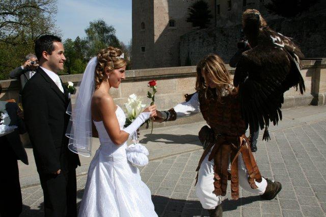 Wedding Royale - jarkulienka, sokol s ruzou nesmie chybat