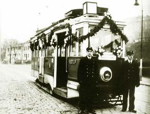 Na svatbu tramvají?