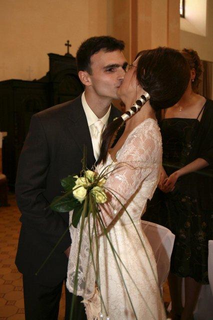 Skutočnosť... - prvá manželská pusa