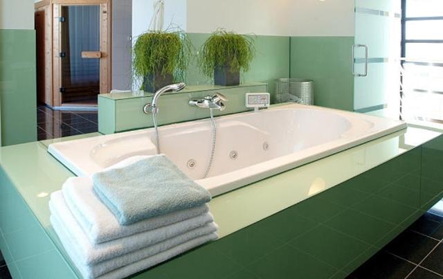 Paleta snov - ..krasny aj v kupelni.. tu kombinacia - pastel green a jungle green..