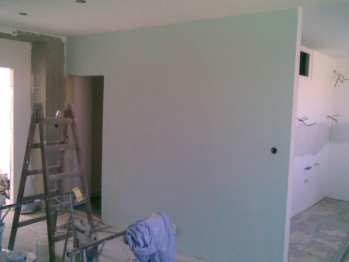 Paleta snov - ..nasa farebna stena.. nazivo kraasne krasna.. ok, domalovane, mozem si ist nalakovat nechty =)