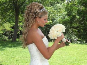opět krásná nevěsta - moc se mi líbí tento účes