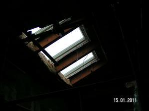 strešné okná v obývačke