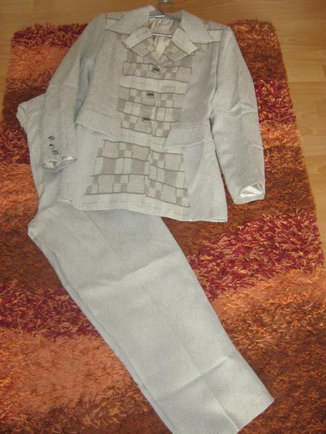 Pekný kostým sako podšité v dobrom stave veľ. 36  - Obrázok č. 1