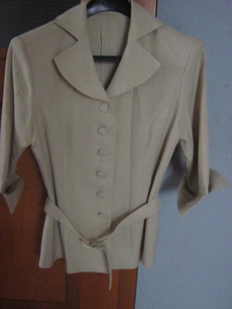 Pekný dámsky nohavicový  kostým veľ.36/38  - Obrázok č. 1