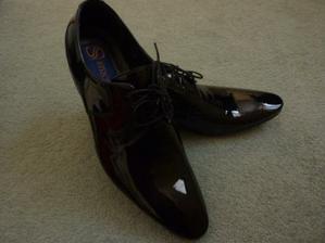 Krásné botičky pro ženicha...